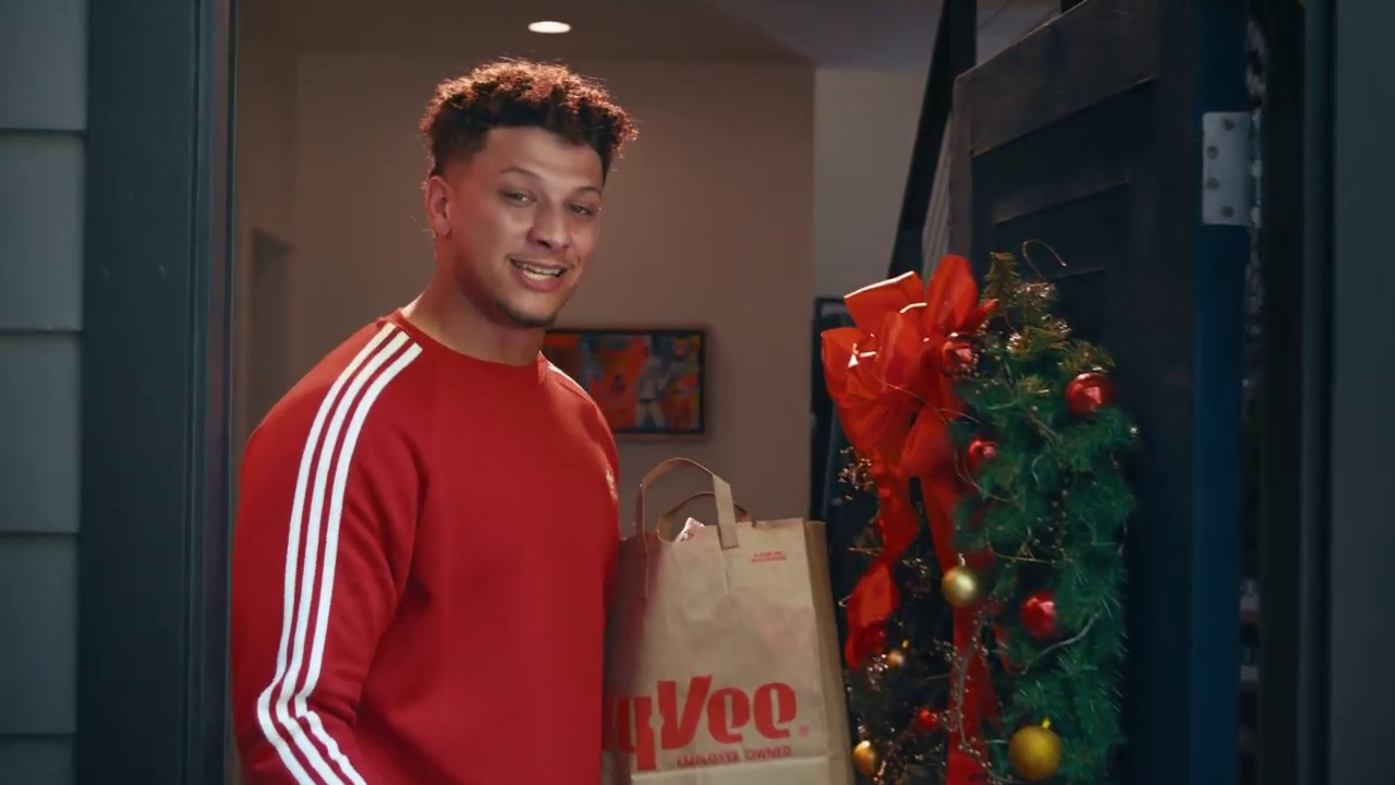 Hilarious and warm-hearted Mahomes family Christmas memories